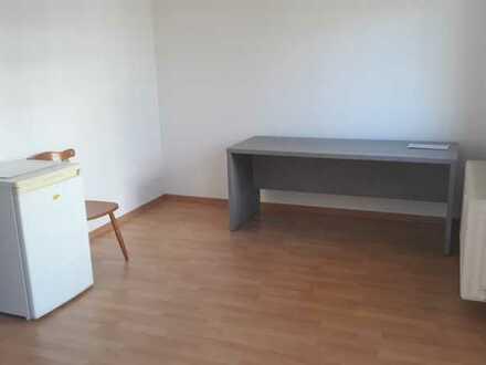Möblierte 1-Zimmer-Hochparterre-Wohnung mit Balkon und Einbauküche in Eppelheim