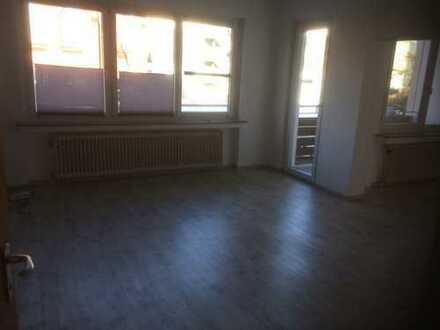 Sanierte 4-Zimmer-Wohnung mit Balkon in Bochum