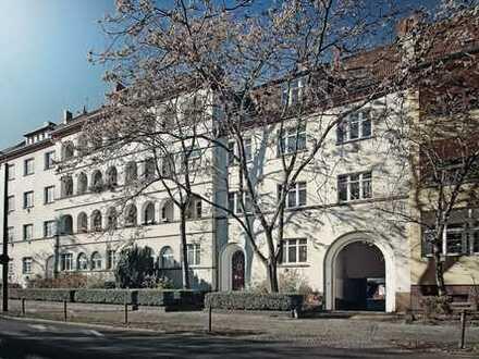 bezugsfrei ab 01.07.2020 , 2 Zi-Wohnung, Loggia, PKW-Stellplatz - in Treptow / Johannisthal