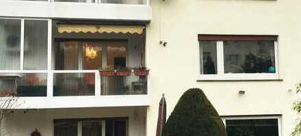 Wunderschöne (1OG) 102 m² Große 3,5 Zimmer Wohnung mit Garage+Stellplatz in Bad Vilbel