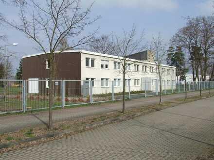 Bürogebäude nahe der A15 zu verkaufen/ zu vermieten