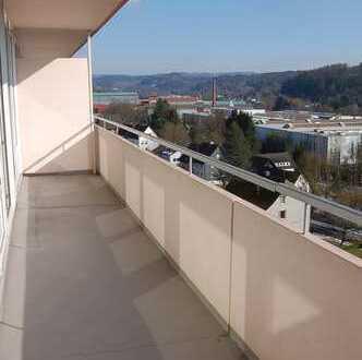 Hilchenbach - Dahlbruch : Zwei große, helle Wohnungen mit Balkon, neu renoviert, zu vermieten!
