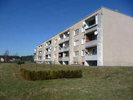 Sehr Günstige 3-R-Wohnung mit Küche, Balkon, Keller und Autostellplatz direkt vom Eigentümer!
