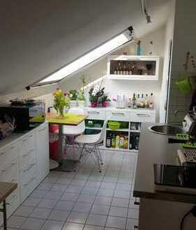 Gepflegte 1-Zimmer-DG-Wohnung mit kleinem Balkon in HD-Wieblingen, Nähe Neckarwiesen