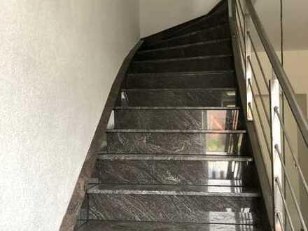 Vollständig renovierte 1,5-Raum-DG-Wohnung in Dortmund