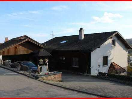 Einfamilienhaus mit Einliegerwohnung in Gurtweil
