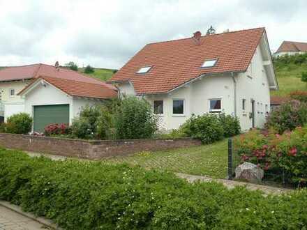 Schönes, geräumiges Haus mit fünf Zimmern in Südliche Weinstraße (Kreis), Gleiszellen-Gleishorbach