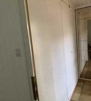 Modernisierte Wohnung mit einem Zimmer und kleiner Küche in Lauenau
