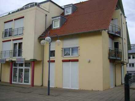 Gepflegte 3-Zimmer-Wohnung mit Balkon, EBK und Garage in Sulzfeld