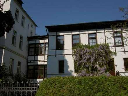 Stilvolle 2-Zimmer-Wohnung mit Blick auf den Venusberghang