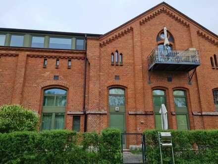 Wohnen und/oder Gewerbe in extravaganten Räumlichkeiten (ca. 200 qm Nfl.) auf historischem Boden!