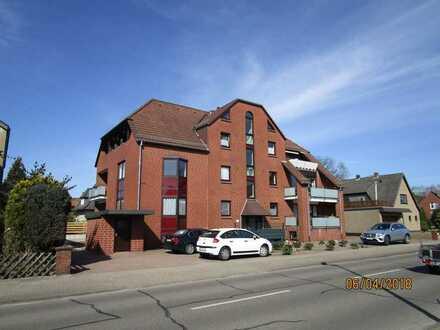 Friedensstraße: Gepflegte 2-Zimmer-Wohnung mit Loggia und EBK