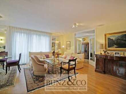 Elegante, top ausgestattete Wohnung mit Balkon!