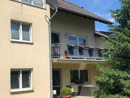 geräumige 4-Raum-Wohnung mit Balkon und Stellplatz