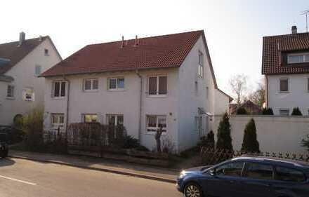 DoppelHausHälfte mit fünf Zimmern in Göppingen - Faurndau