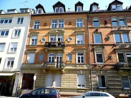 Seltene Gelegenheit! Klimatisierte 4 Zimmerwohnung mit Balkon in KA-West