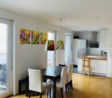 Wunderschöne helle 4 Zimmer- Wohnung im Dachgeschoss auf dem Riedberg