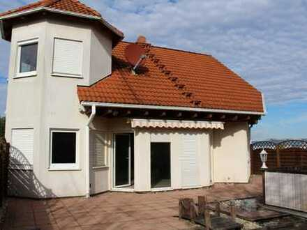 Einfamilienhaus mit Gewerbeeinheit im Industriegebiet in Murr