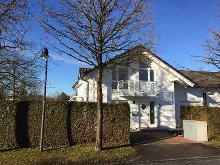 Schönes lichtdurchflutetes Haus mit sechs Zimmern in München (Kreis), Grünwald
