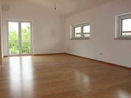 NEU! Chic und Modern - eine Dachgeschosswohnung zum verlieben - ideal für Single!