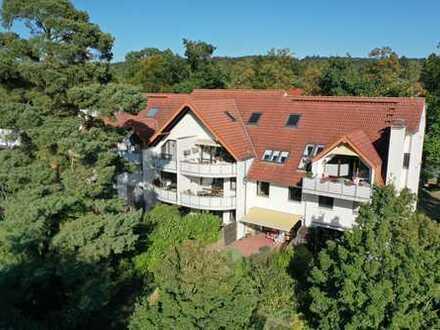 SCHWIND IMMOBILIEN - moderne Maisonette-Wohnung mit EBK und Balkon