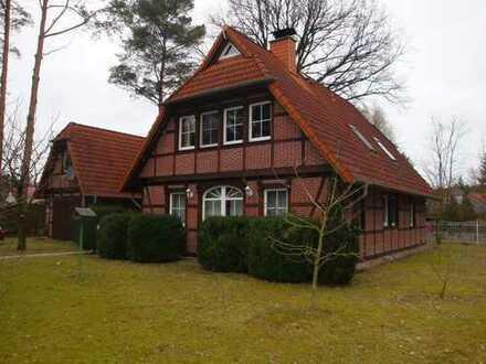 *Hohen Neuendorf* echtes Eichen-Fachwerkhaus, Wohnfl. ca. 150 m², 5 Zi., Garage, Grundst. ca. 930 m²