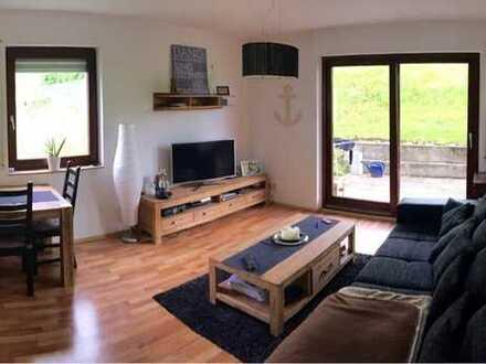 Moderne Wohnung mit Terrasse, Garage, Küche und Extras!
