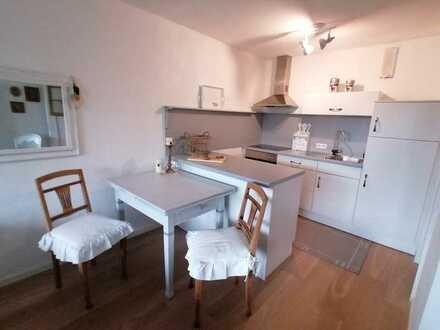 Stilvolle, geräumige und gepflegte 1-Zimmer-Wohnung mit Balkon und Einbauküche in Freudenstadt