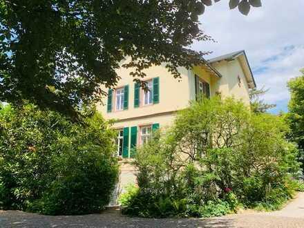4 1/2 Zimmer-Luxus-Wohnung in denkmalgeschützter Villa