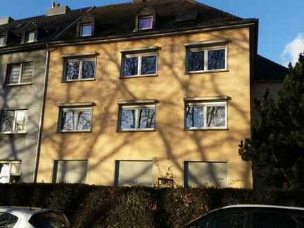 Vollständig renovierte 2,5-Zimmer-Wohnung mit EBK in Ruhrort