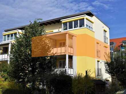 Einfach gleich einziehen: Eigentumswohnung mit  vier Zimmern, Küche, Bad, Balkon und Tiefgarage