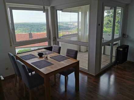 Freundliche 2-Zimmer-Wohnung in bester Aussichtslage mit Balkon in 73207 Plochingen/ Musikerviertel