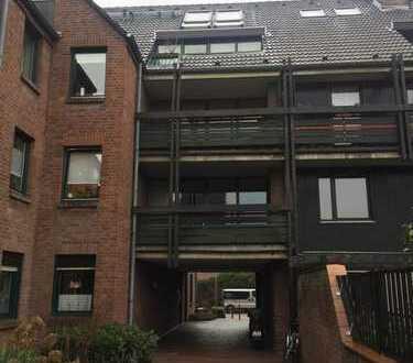Vollständig renovierte 1-Zimmer-Wohnung mit Balkon und Einbauküche in Düsseldorf