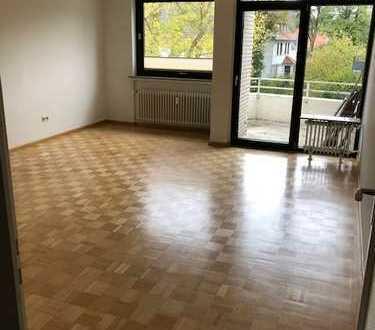 Schöne 2-Zimmer-Wohnung mit Balkon und EBK in bester Lage