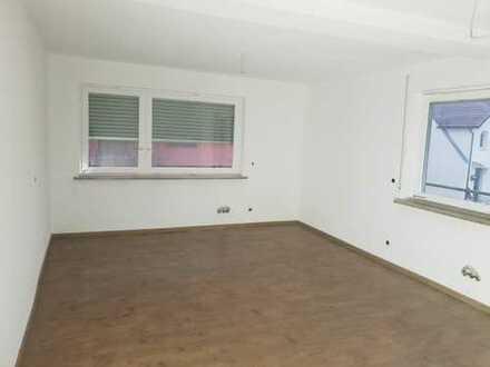 Schöne 4-Zimmer-Wohnung mit Balkon in Pleidelsheim