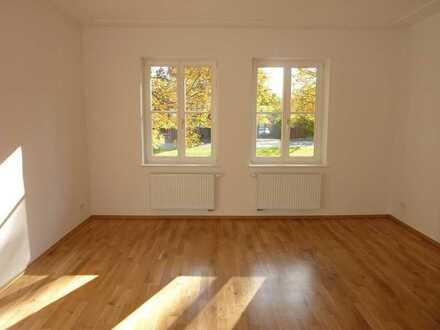 ***Hochwertig sanierte 3-Raumwohnung im Denkmalobjekt, mit Balkon und grün gelegen***