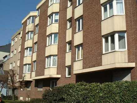 Ruhig gelegene Wohnung in gepflegtem Objekt in Marienburg *Balkon*Fliesenböden*Pantryküche