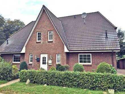 Hübsches Zweifamilienhaus als solide Kapitalanlage