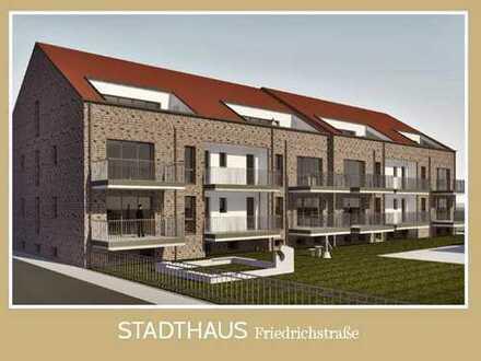 STADTHAUS FRIEDRICHSTRASSE:  2-Zimmer-Hochparterrewohnung mit Balkon