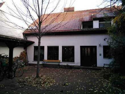 Haus mit Garten am Neckar