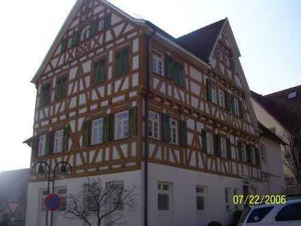 Vollständig renovierte 4-Zimmer-Wohnung mit Einbauküche in Herrenberg-Kuppingen
