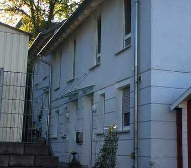 Schönes Reihenmittelhaus mit fünf Zimmern in Marburg-Biedenkopf (Kreis), Marburg