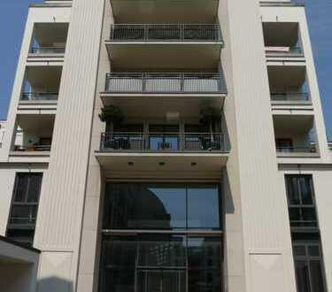 Elegantes Apartment mit fünf Zimmern und drei Balkonen