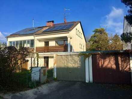 Viel Platz für die ganze Familie - renovierungsbedürftige Doppelhaushälfte