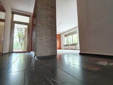 Bauhausstil Architektenvilla in bevorzugter Lage auf großem Grundstück