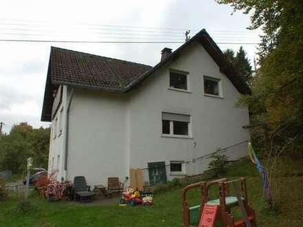 Wohnhaus mit großem Garten 2 WE ( 131/108m² ) mit 1300m² Waldrandgrundstück