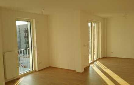 Erstvermietung: helle, gut geschnittene 3-Zimmer Wohnung im obersten Geschoss eines Passivhauses