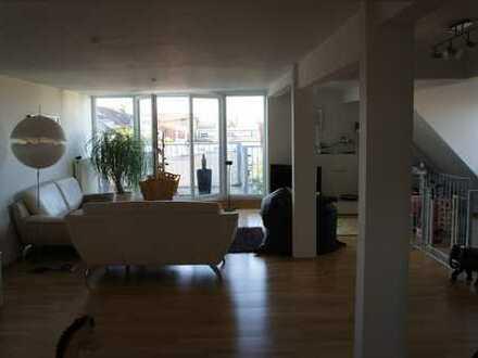 Sanierte 3-Raum-Maisonette-Wohnung mit Balkon in Karlsruhe