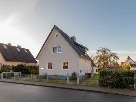 Vermietetes Einfamilienhaus mit Doppelcarport
