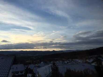 Großzügiges Wohnen mitten in der Natur und doch stadtnah; EFH mit unverbaubarem Panoramablick!